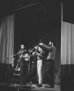 Star Spangled String Band-ca. 1969-Indian Neck Folk Festival-Ron Cohen Coll-UNC-Unkn photographer-Folder 194 Scan 13